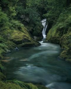 Nant-Gwernol-Waterfall-Abergynolwyn.jpg