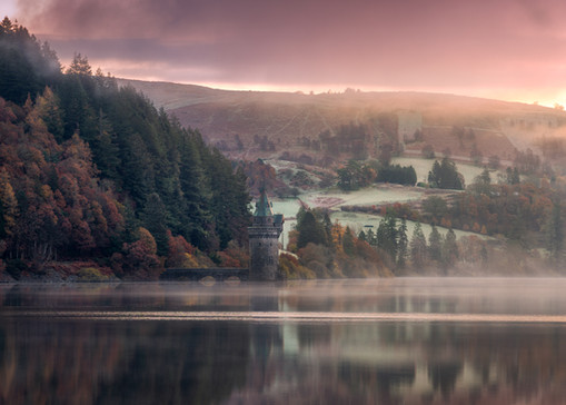 Lake-Vyrnwy-autumn-beautiful-sunrise.jpg