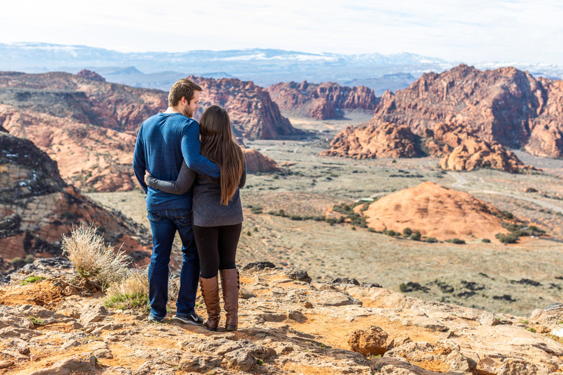 Snow Canyon Overlook Engagement Photoshoot