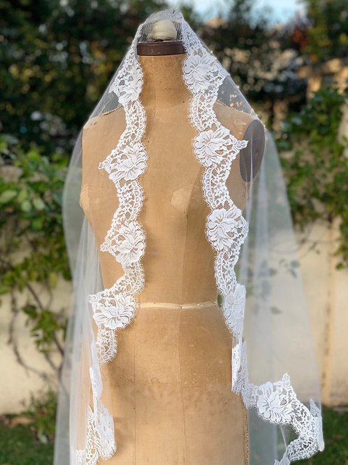 Mantilla Veil with French Chantilly Lace- TANIA VEIL