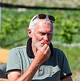 Erdbeeren naschen auf Ferienhof Ingenhof bei Malente
