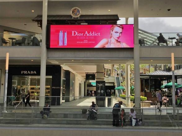 Dior Large Format Digital Screen