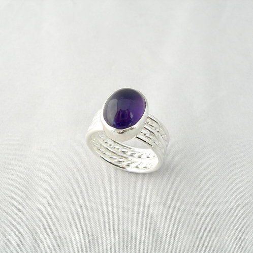Amethyst Cab Ring