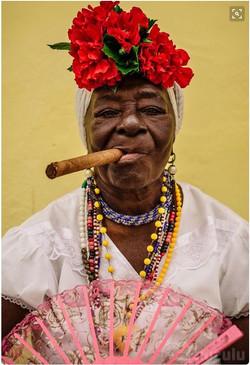 Cubana con Tabaco