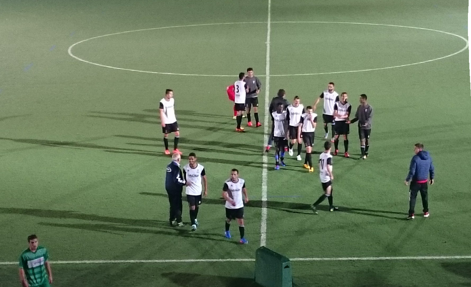 Dura derrota del Santoña CF en San Juan