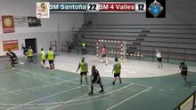 Clara victoria del BM Santoña 33-20.