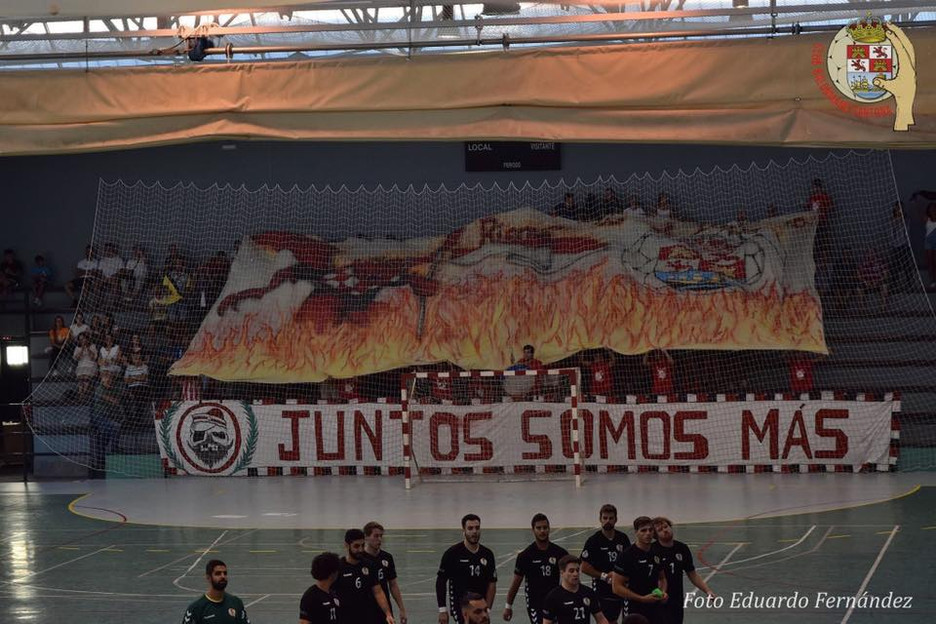 Soberbia victoria del BM Santoña ante el Acanor Atlético Novás 30-27