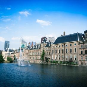 Den Haag – hofstad, strandleven, wijnbouw   (nl)