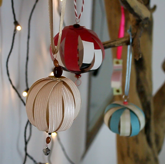 Videotutorial: Taller d'ornaments amb paper decorat