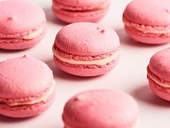 Strawberry Macarons Sel et Terre.jpeg