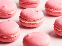 Strawberry Macarons Sel et Terre.jpeg