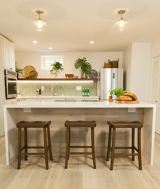 Backsplash Tile from Lunada Bay Tile in Aloha Builds in Hawaii