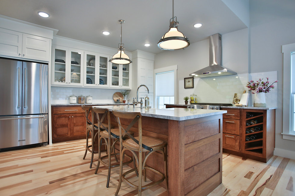 Product Placement: Kichler pendants in the kitchen of Jenny and Dave Marrs home renovation show, Fixer to Fabulous on HGTV