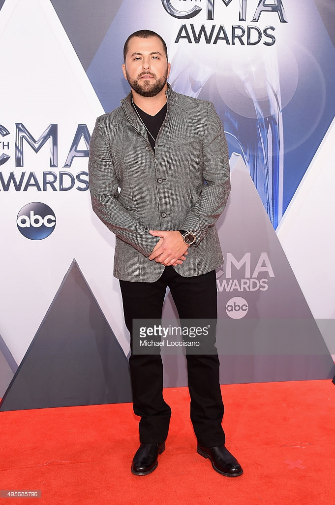 495685796-singer-songwriter-tyler-farr-attends-the-gettyimages