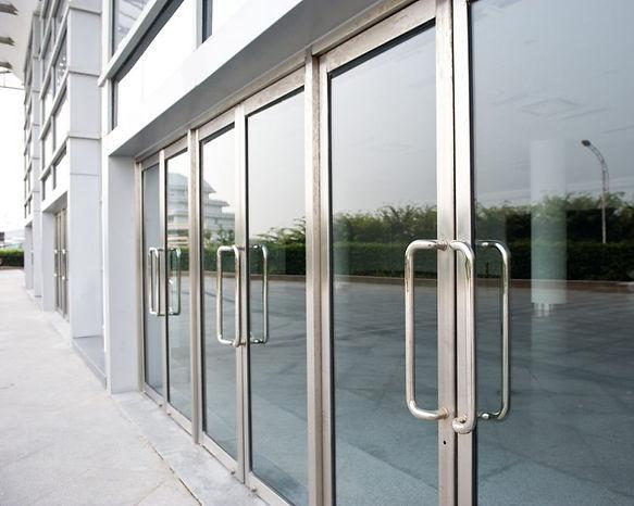 aluminiumcommercial doors