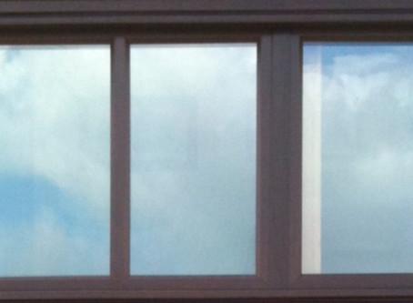 Low emissivity glass