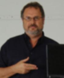 פרופסור אורי ניר