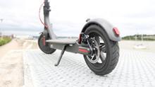 Elektrikli Scooter ile caddeler sokaklar sahiller senin