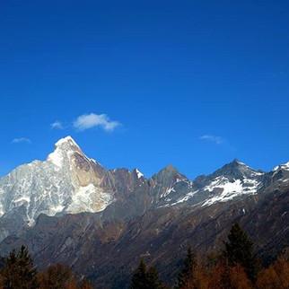 Mendaki gunung #siguniangshan #fourgirls