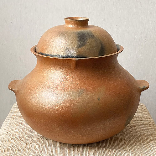 micaceous pottery bean pot with handles and lid