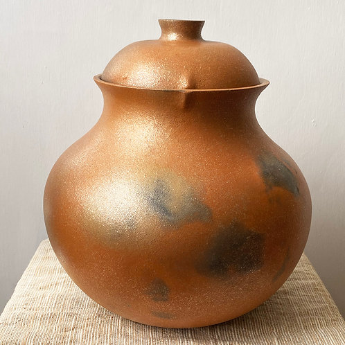 red micaceous clay bean pot