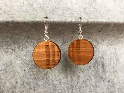 Ohrringe aus Kirschholz
