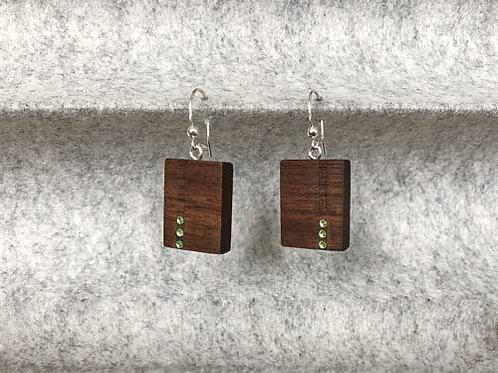 Ohrringe aus Nussholz mit Swarovski-Steinchen