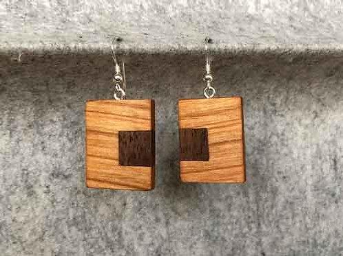 Ohrringe aus Kirschholz mit Einlage