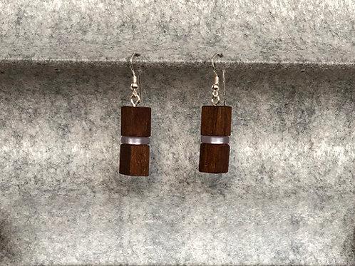 Ohrringe aus Nussholz