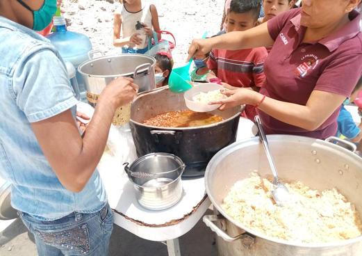 Serving food to children