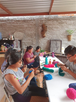 New knitting group in San Pedro 1(450 x