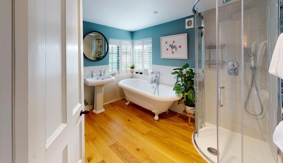 Pear-Tree-Cottage-Bathroom.jpg