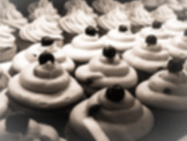 Cupcakes-%20Black%20and%20White_edited.j