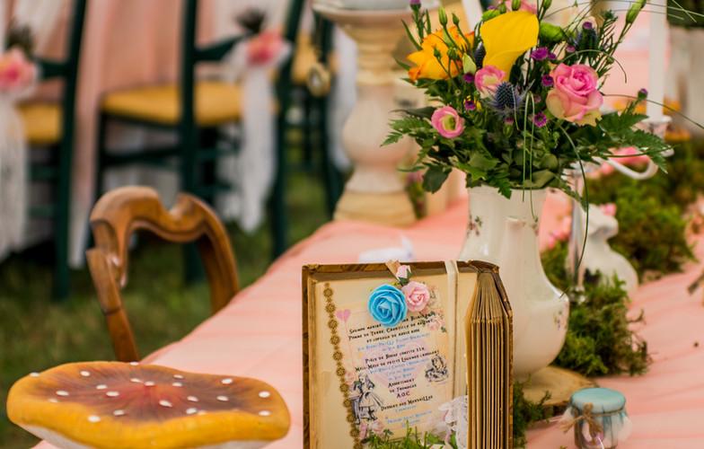 table mariage alice aux pays des merveilles