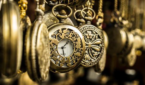 brass-pocket-watches-678248.jpg