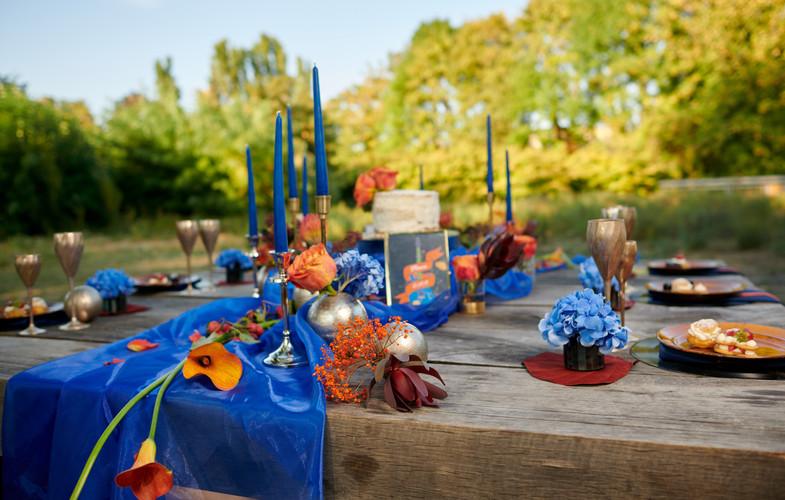décoration mariage anniversaire orange et bleu