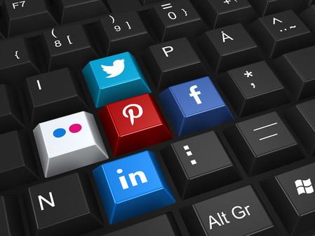 """""""Vida perfeita"""" em redes sociais pode afetar a saúde mental."""