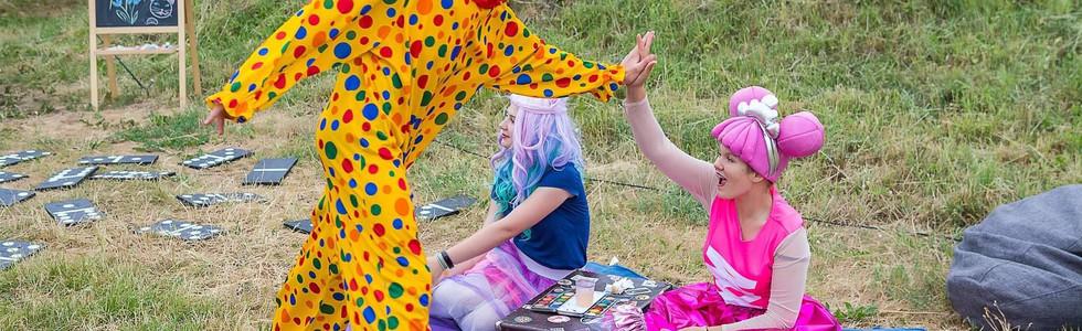 Klounas ir Lėlytė LOL