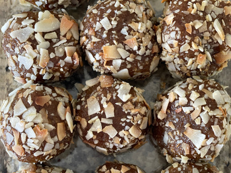 NO BAKE Pecan Pie Bliss Balls