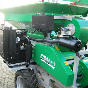 14 CRN 3.2 motore Isuzu bicilindrico.jpg