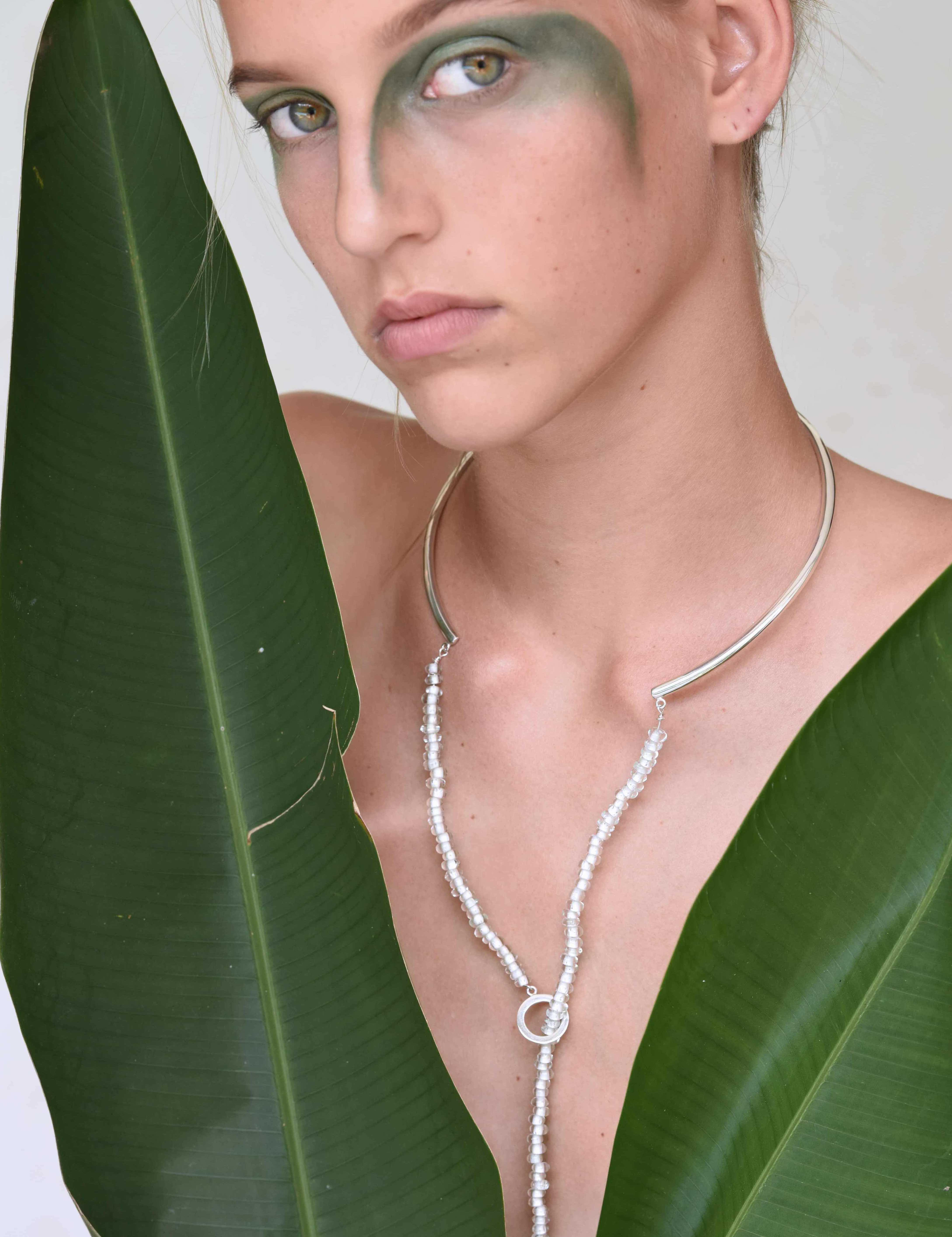 Astrid_necklace_model2