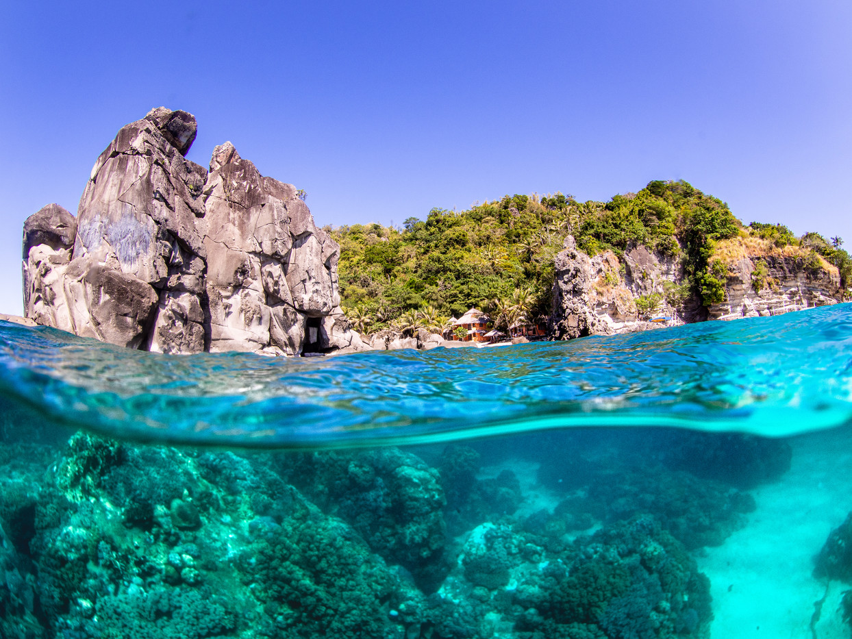 Split shot on Apo Island