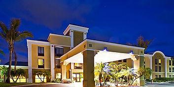 Holiday Inn Express Vero Beach.jpg