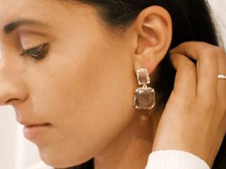 Celeste wearing the Vera earring