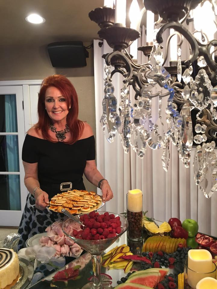 GINGER ATHERTON   QUEEN OF ALL THINGS LUXE