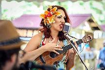 Mamz'elle BEE chanteuse vintage au ukulélé