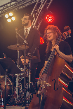 Musicien vintage Bee Swing Orchestra