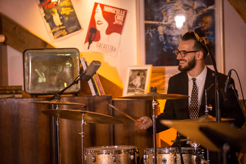 Musicien vintage Swing rétro Batteur