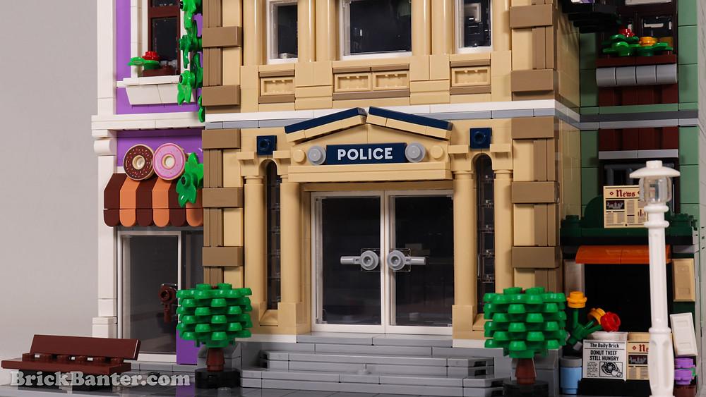 LEGO 10278 – Police Station