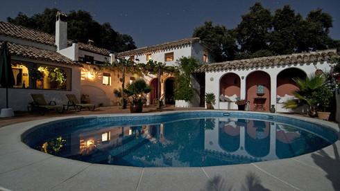 Villas (Click here)
